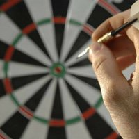 How to hold darts with 3 fingers